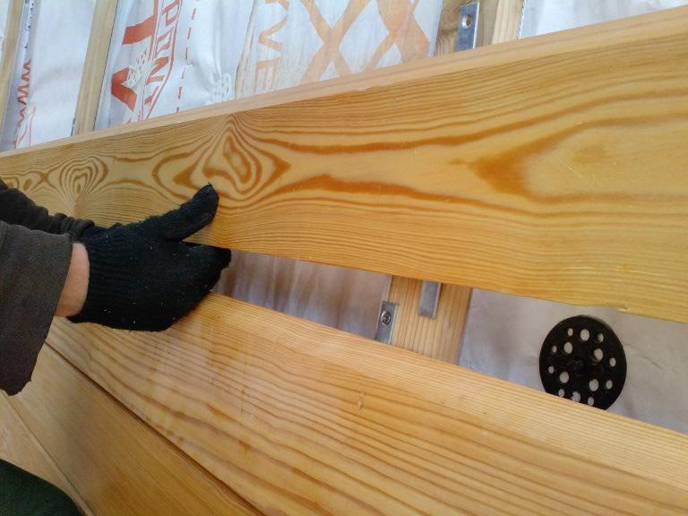 Установка планкена на деревянный дом