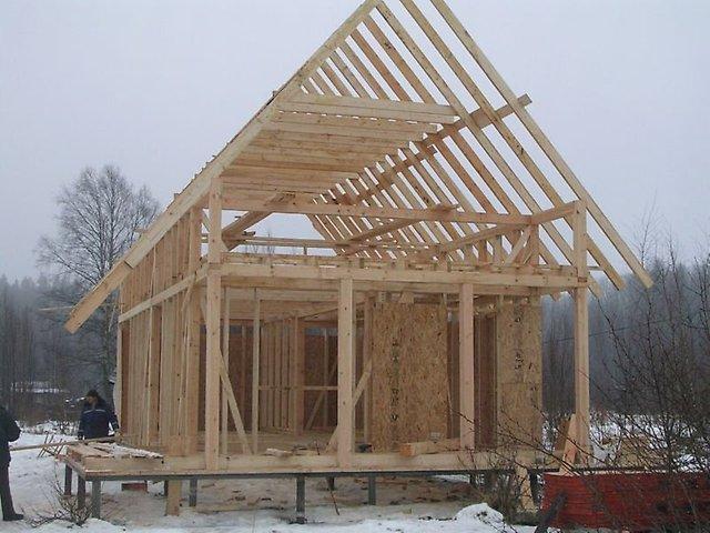 Строительство дома на винтовых сваях зимой