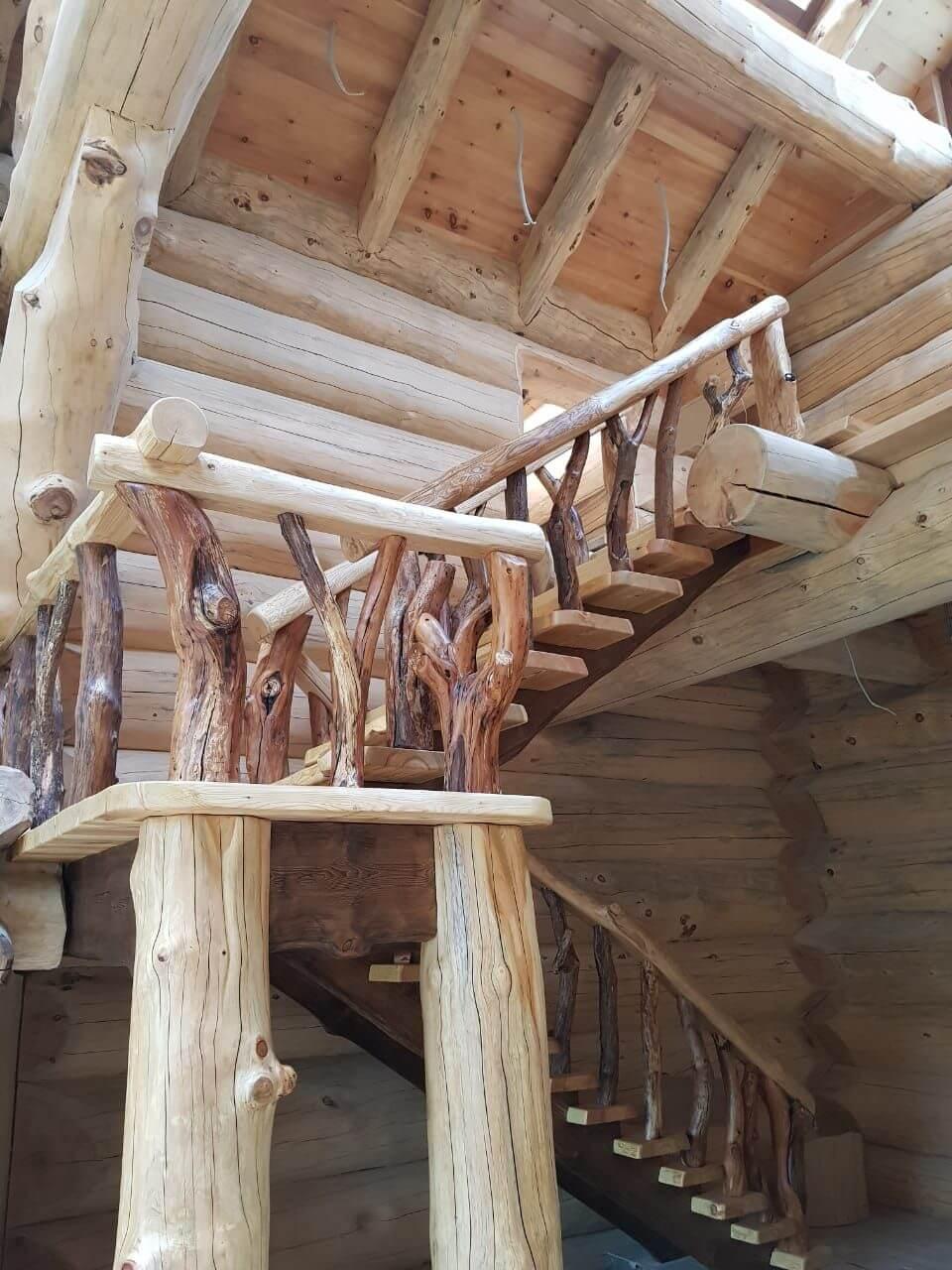 лестница из кедра