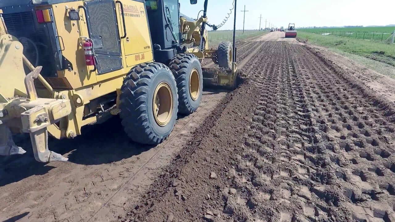 строительство грунтовой дороги к участку