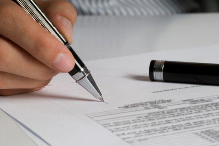 подписываем договор с заказчиком